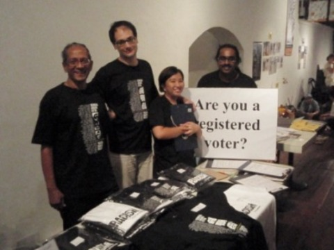 L-R : Jayanath, Eric, Elaine & Nanda. Eric and Elaine have been manning the booth from Friday have been doing a marvellous job